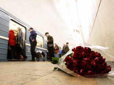 Память о погибших при взрывах в столичном метро