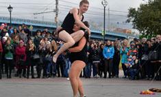 Боня и Кузьмич устроили стриптиз на набережной Оби
