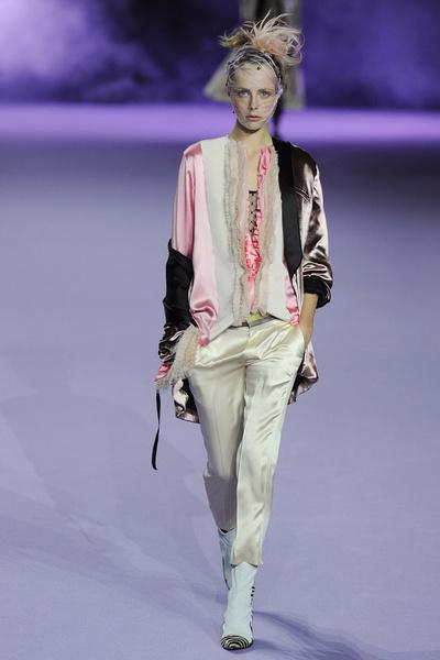 Неделя моды в Париже: день пятый   галерея [1] фото [4]