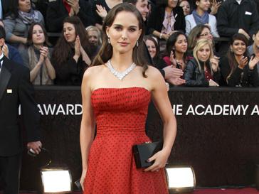 """Натали Портман (Natalie Portman) в платье Christian Dior на """"Оскаре""""-2012"""