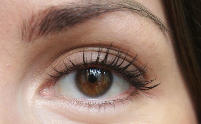Clarins, Палитра для макияжа глаз The Essentials, 4500 рублей