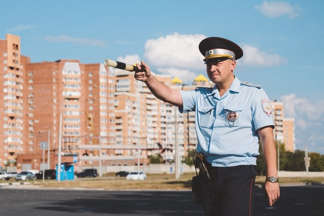 Красотка за рулем в Тольятти