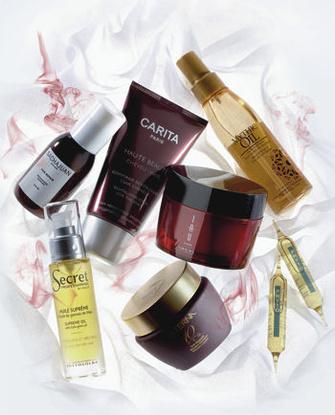 ВОССТАНОВИТЬ ВОЛОСЫ И КОЖУ ГОЛОВЫ: очищающий гоммаж для кожи головы Haute Beaute, CARITA; питательное масло для всех типов волос Mythic Oil, L'OREAL PROFESSIONNEl; концентрированная аромамаска для волос IAU, LEBEL; масляная баня для интенсивного увлажнения волос перед нанесением шампуня Huile d'Ales, PHYTO; маска для волос The Science of 10, ALTERNA; масло для волос Huile Supreme, SECRET PROFESSIONNEL BY PHYTO; восстанавливающее средство для поврежденных волос Hair Repair, SACHAJUAN.