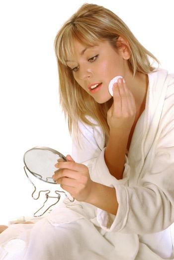 Вместо тоника кожу можно очищать чистой питьевой водой.