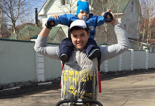 Александр Гобозов с сыном, фото