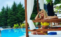 Подсмотрено в Instagram: чем заняты звезды на «Новой волне»