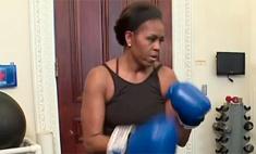 Мишель Обама показала персональную тренировку