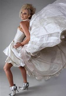 Свадебное платье в стиле Мэрилин Монро, по мотивам знаменитого фото, на котором кинодива изображена в развевающейся юбке