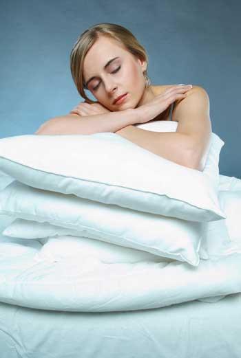 Слушайте свой организм. Но помните, что нельзя систематически спать меньше 4 часов в сутки.