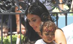 Ким Кардашьян превращает дочь в свою копию
