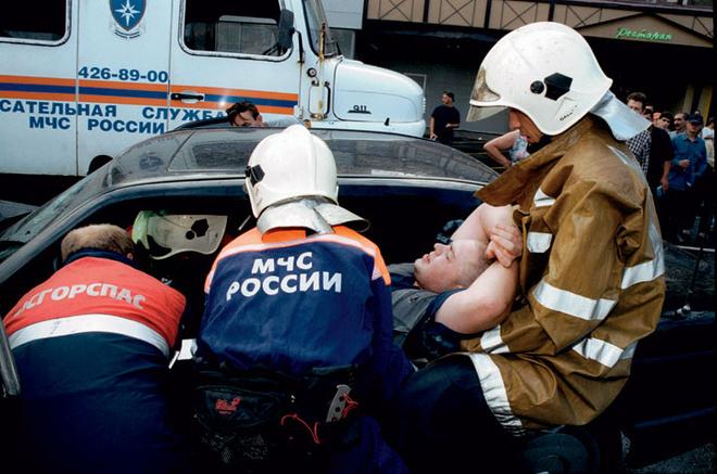 Сложная автоавария. Позже пострадавшие будут нуждаться в психологической помощи.