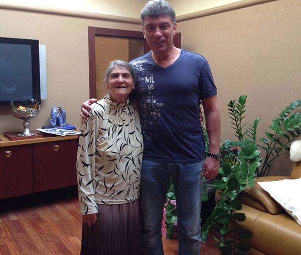 Немцов с мамой