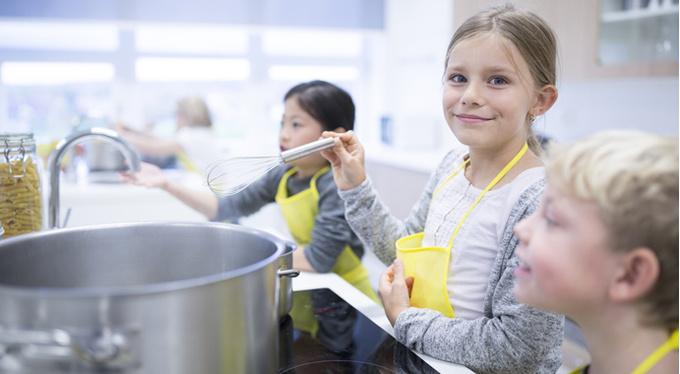 Правильное воспитание: меньше контроля, меньше школы и меньше запретов