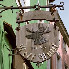 Вот так до сих пор выглядят вывески в эстонских городах