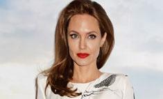 Анджелина Джоли создала коллекцию туфель