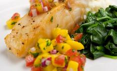 Окунь с овощным гарниром в лимонном соусе