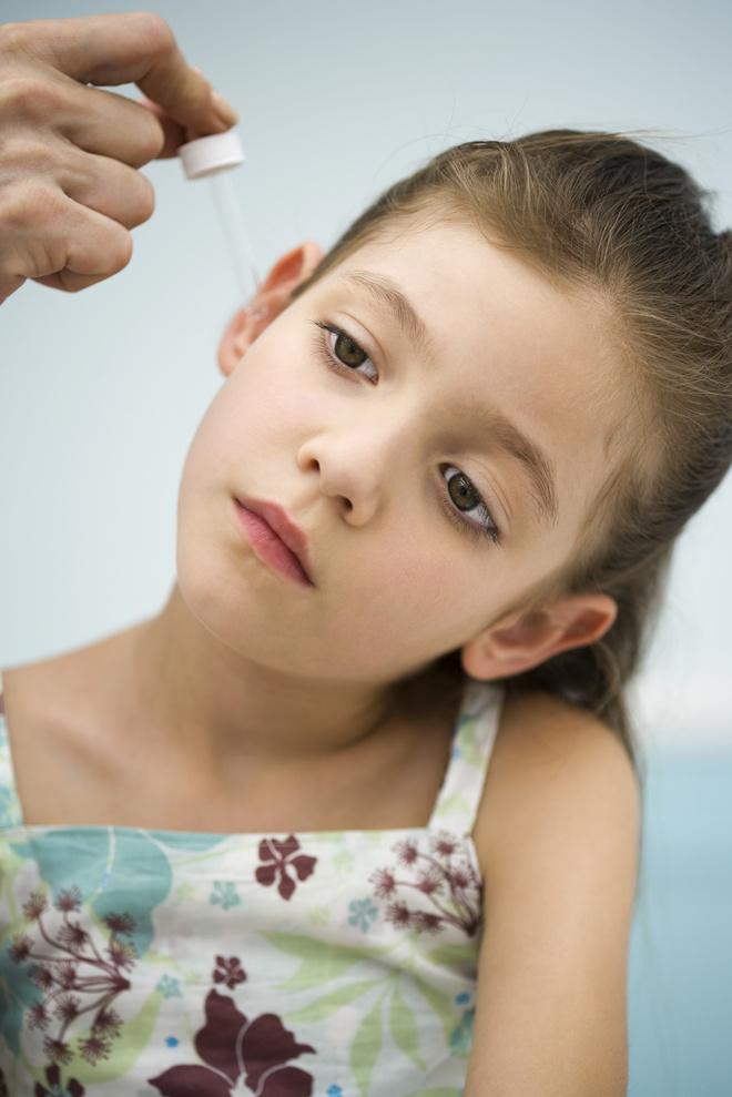 как достать пробку из уха у ребенка