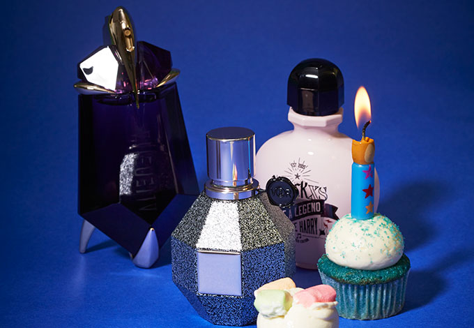Thierry Mugler Цветочно-восточный аромат Alien Le Talisman; Viktor&Rolf Цветочный аромат Flowerbomb Limited Edition; Paco Rabanne Восточный аромат Black Xs Be A Legend Debbie Harry.