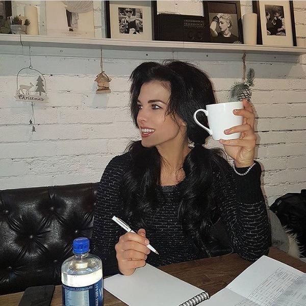 Экс-ведущая «Ревизорро» поведала, почему посути ушла изшоу