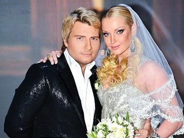 Анастасия Волочкова и Николай Басков показали свадебное фото