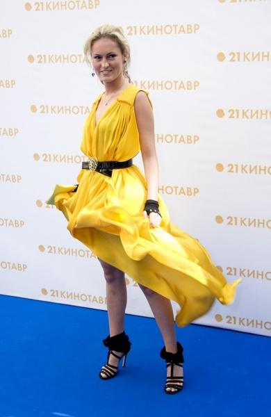 """Рената Пиотровски на закрытии фестиваля """"Кинотавр-2010"""""""