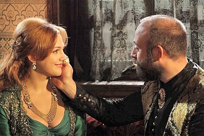 первое знакомство хюррем с султаном