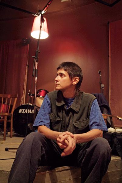 АНЯ ГЕРАСИМОВА (УМКА) автор песен, лидер группы «Умка и Броневик» «Свое детство я считаю самым главным источником и смыслом моей личности».