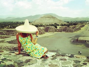 Алена Водонаева осваивается в Мексике.