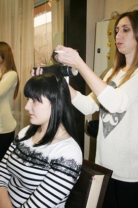 Как сохранить волосы под шапкой, начес