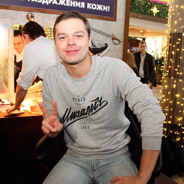 Актер «Молодежки» Влад Канопка: новости