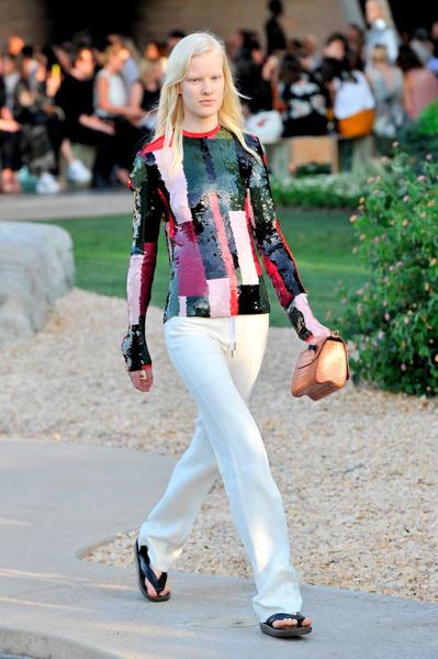 Показ круизной коллекции Louis Vuitton в Палм-Спринг   галерея [1] фото [1]