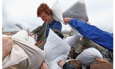 Как поучаствовать в состязаниях по подушечному бою