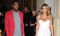 Канье Уэст выбрал четыре свадебных платья для Ким
