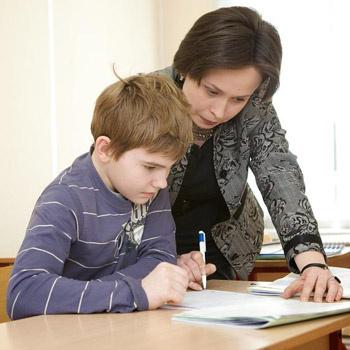 Занятия проводятся в мини-группах, что позволяет педагогам наладить тесный контакт с каждым учеником