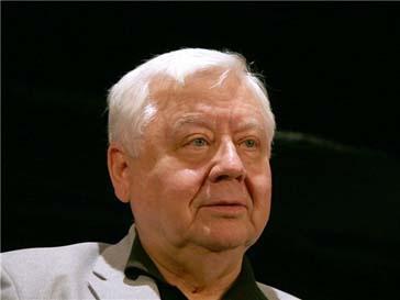 Олег Табаков проходит курс терапии из-за проблем с сердцем