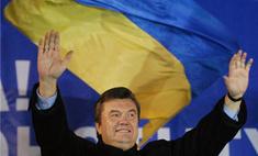 Виктор Янукович принес на совещание гашиш и кокаин