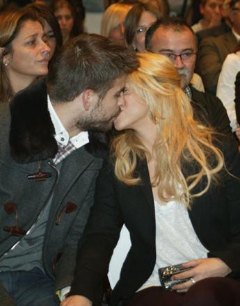 Шакира и Жерар Пике не скрывают чувств на публике