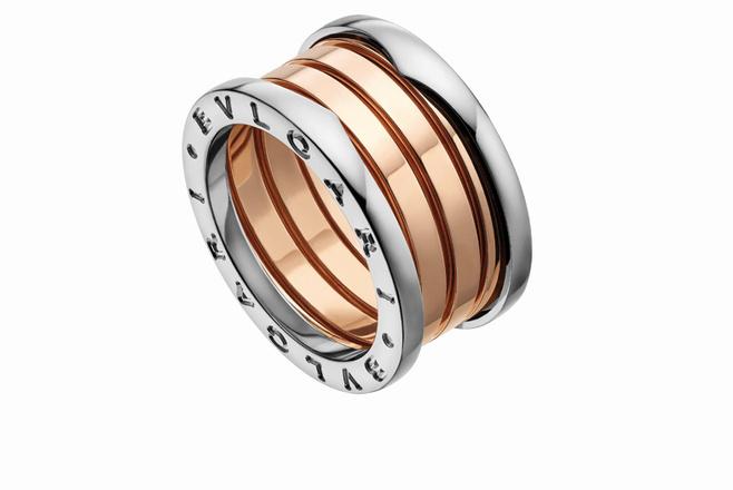 Кольцо Bulgari, белое и розовое золото, 140 000 р.