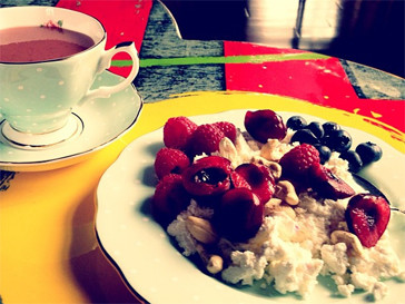 Алена Водонаева предпочитает завтракать творогом.