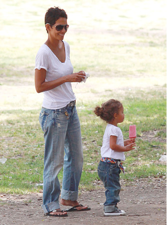 Хэлли Берри (Halle Berry) с дочерью