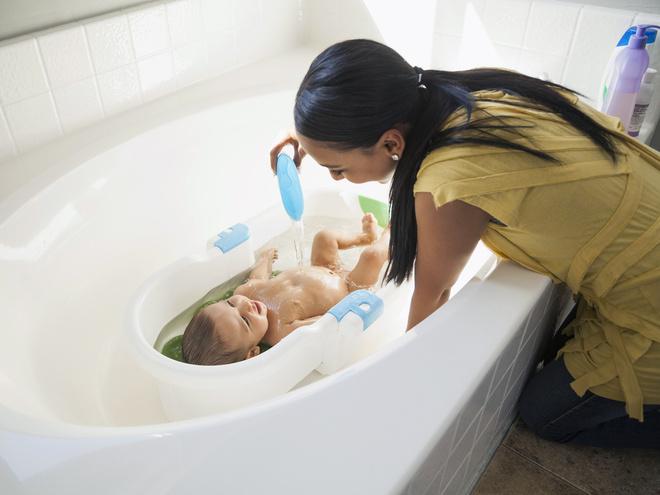 как мыть девочку