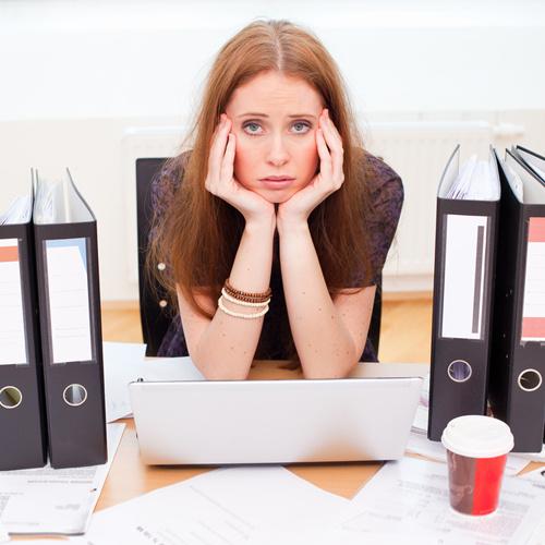 Тип работника: «вечно усталый». Он срывает сроки и делает ошибки, а на упреки только разводит руками.