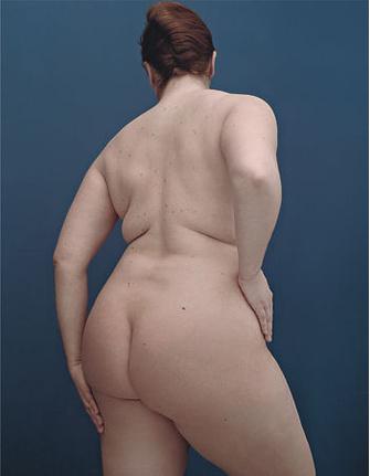 Точные, бережные движения и доброжелательное отношение к себе помогают усилить эффект косметических средств для похудения и вновь обрести контакт с собственным телом.