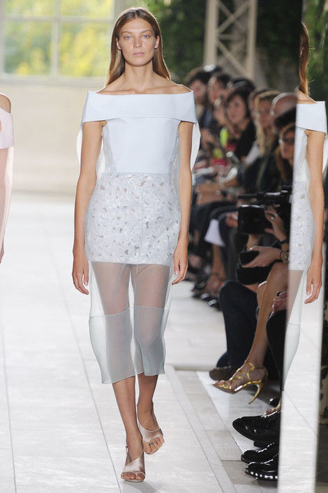 Balenciaga на Неделе моды в Париже