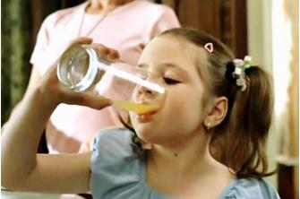Реклама создала образ современного ребенка-повелителя, который требует себе все самое лучшее и престижное, а порой даже становится главой семьи.