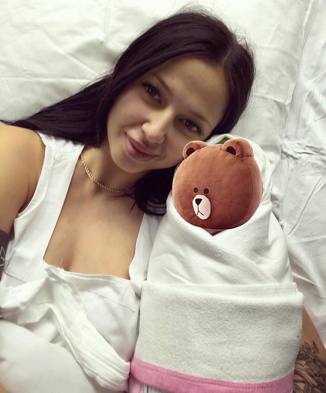 хоккеист Александр Радулов стал отцом