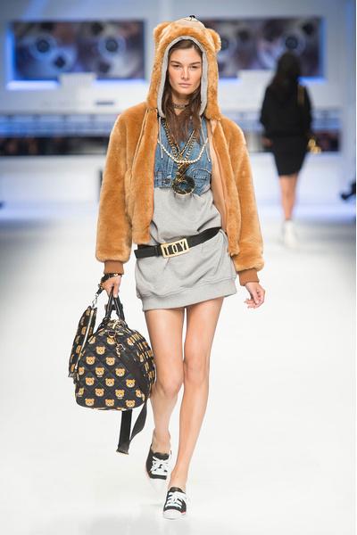 Показ Moschino на Неделе моды в Милане | галерея [4] фото [14]