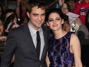 Кристен Стюарт (Kristen Stewart) и Роберт Паттинсон (Robert Pattinson) пишут сценрий к новому совместному фильму