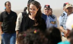 Анджелину Джоли обвинили в распущенности