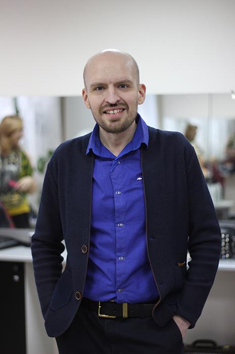 Топ-стилист Максим Лазарев